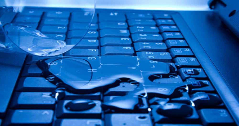 ریخته شدن مایعات بر روی لپ تاپ