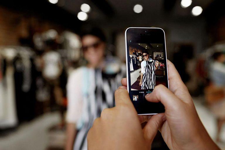 نحوه قرار دادن عکس و ویدیو در بخش استوری شبکه های اجتماعی مختلف