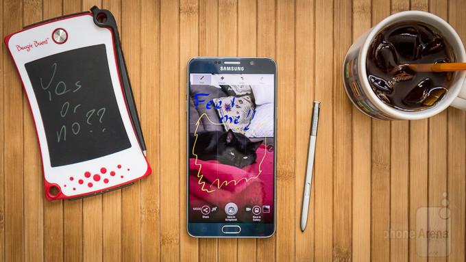 ده گوشی برتر تلفن همراه تا نوامبر 2015 کدامند؟
