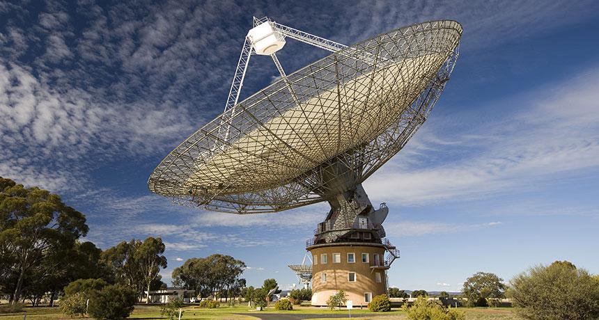 شناسایی 5 سیگنال رادیویی سریع در تلسکوپ رادیویی Parkes در استرالیا
