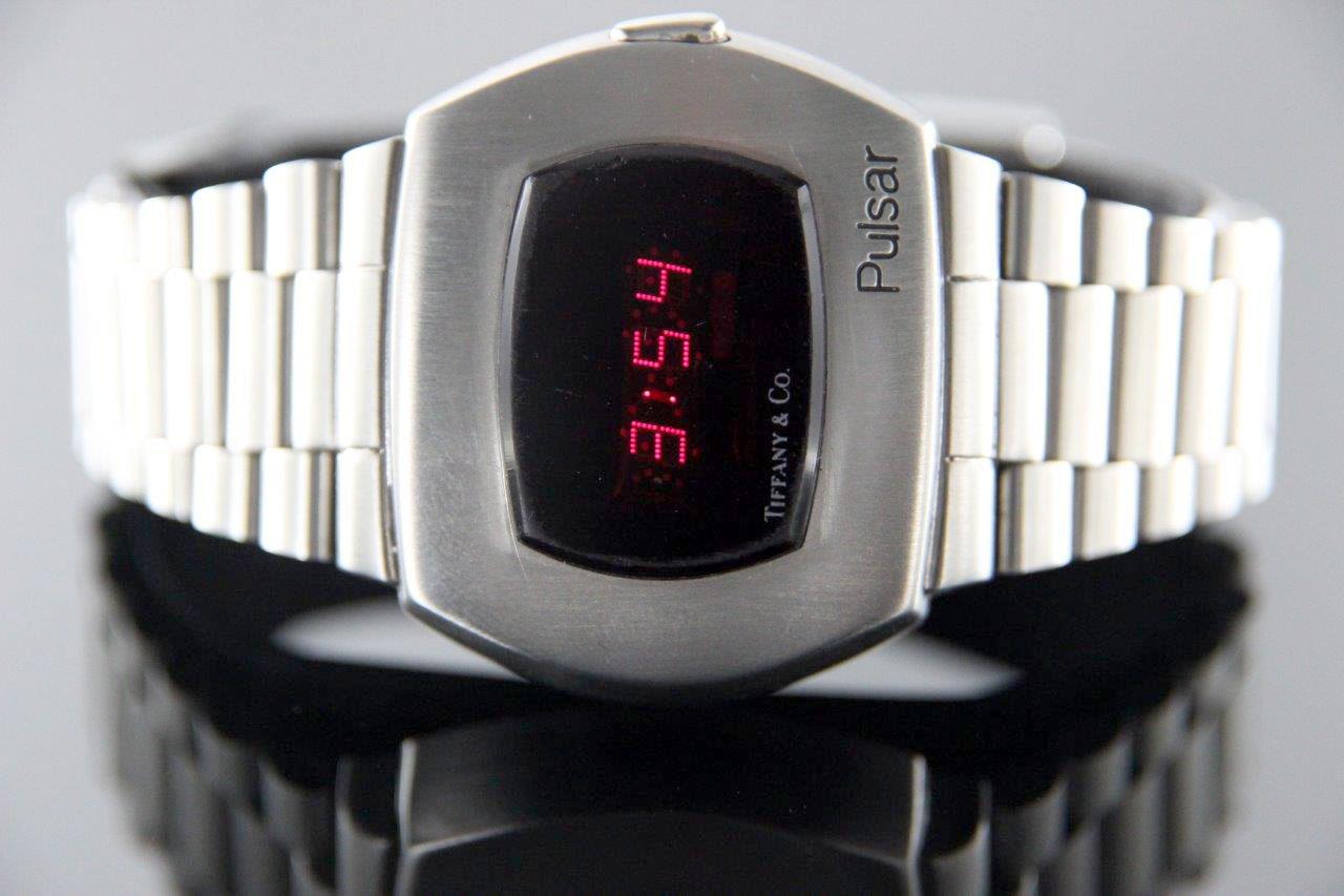بسیاری از ساعتهای Pulsar آن دوره بهخوبی نگهداری نمیشدند، ازاینرو پیداکردن چنین ساعتی که هنوز کار کند، سخت است.