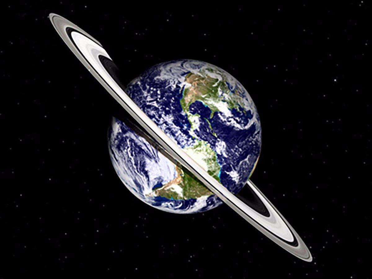 برای این تصویر حلقه های زحل به اندازه زمین کوچک شده اند، چرا که این غول بزرگ گازی 700 برابر سیاره ماست.