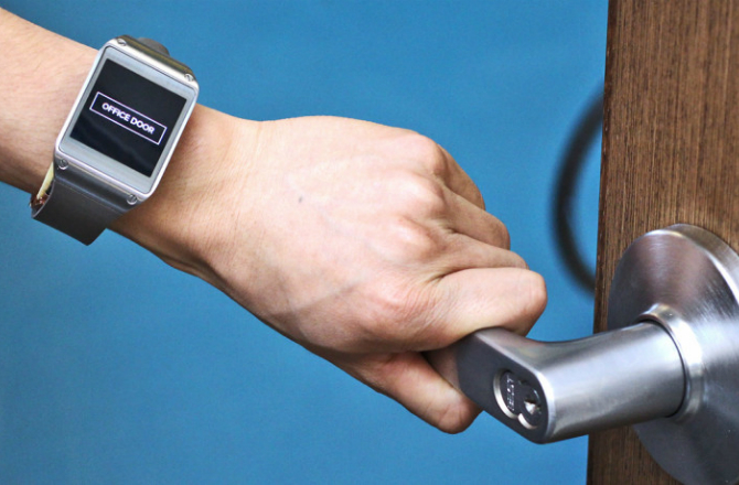 dnews-files-2015-11-smartwatch_670-jpg