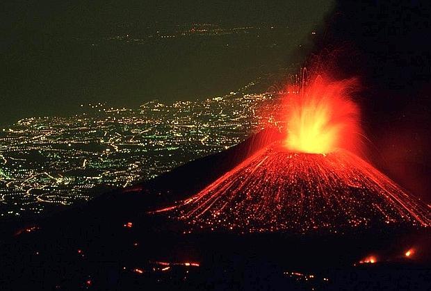 تصاویری باورنکردنی از فوران کوه آتشفشانی Etna