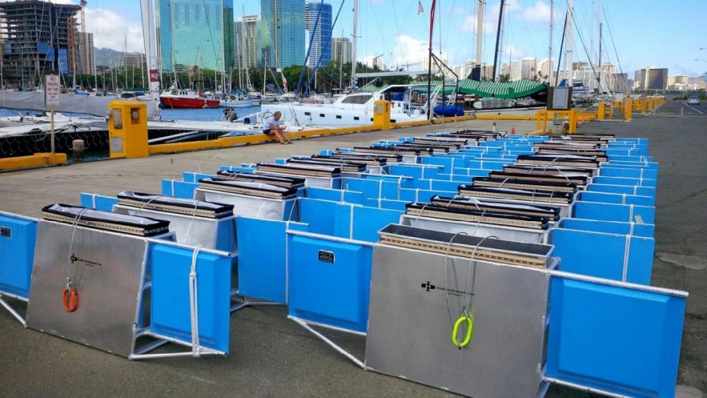 تجهیزات جمع آوری زباله ها که توسط کشتی های سفر مگا حمل شد