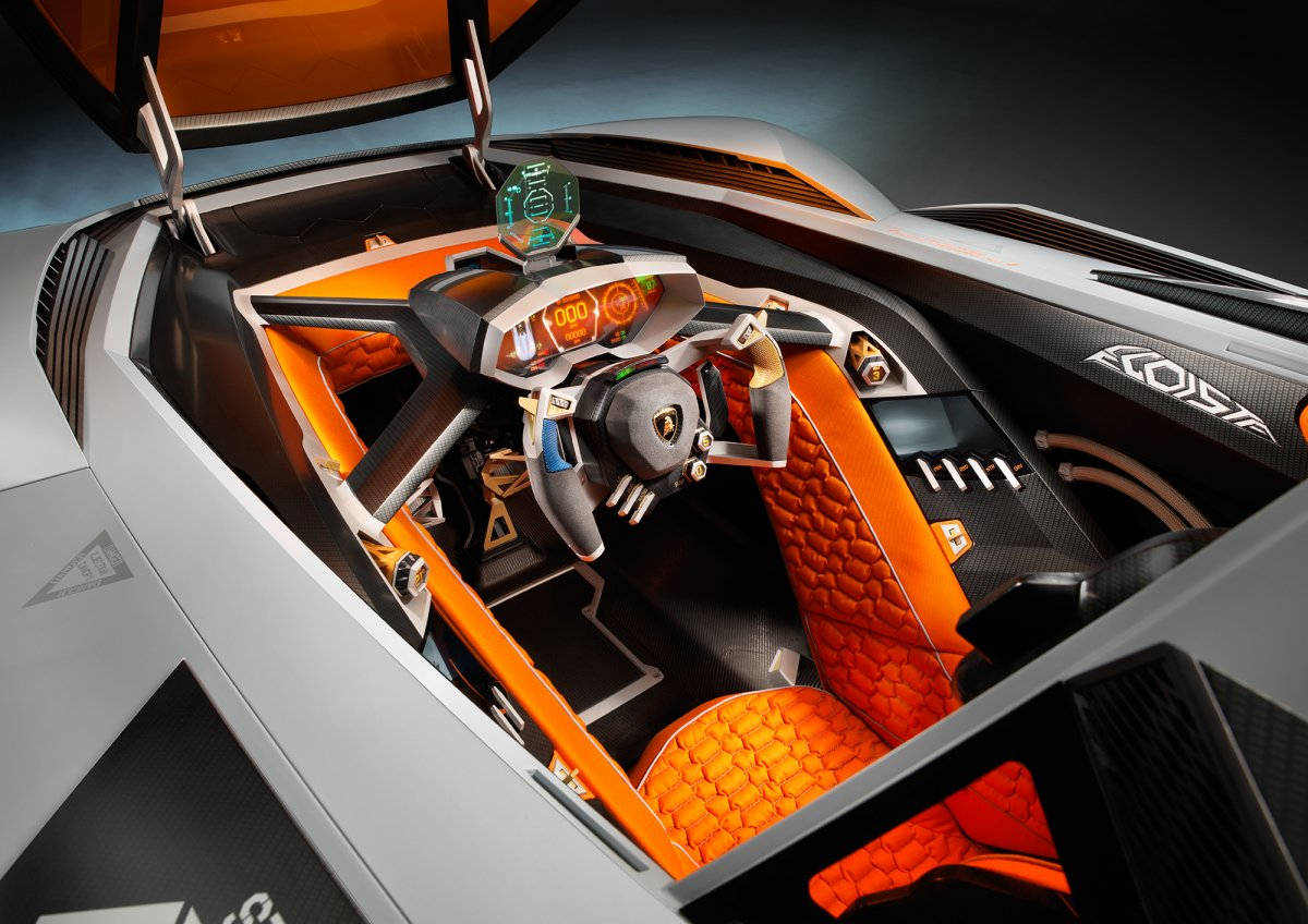 the-body-is-made-of-carbon-fiber-and-aluminum-to-keep-it-light