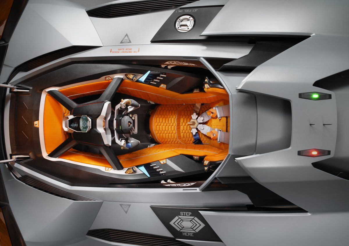 the-cockpit-was-made-as-a-removable-appendage-in-order-to-insulate-and-protect-the-driver-that-means-if-the-driver-wants-to-leave-he-or-she-