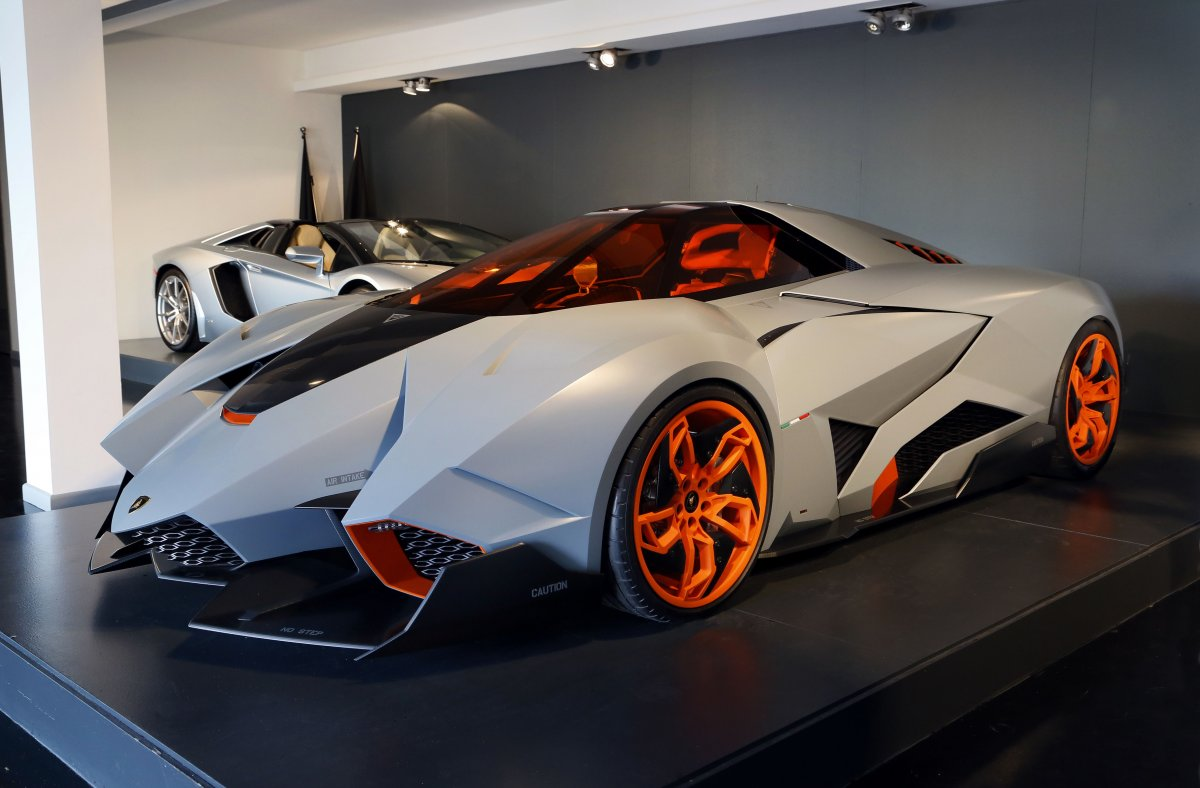 the-egoista-was-designed-in-2013-to-tribute-the-50th-anniversary-of-lamborghini