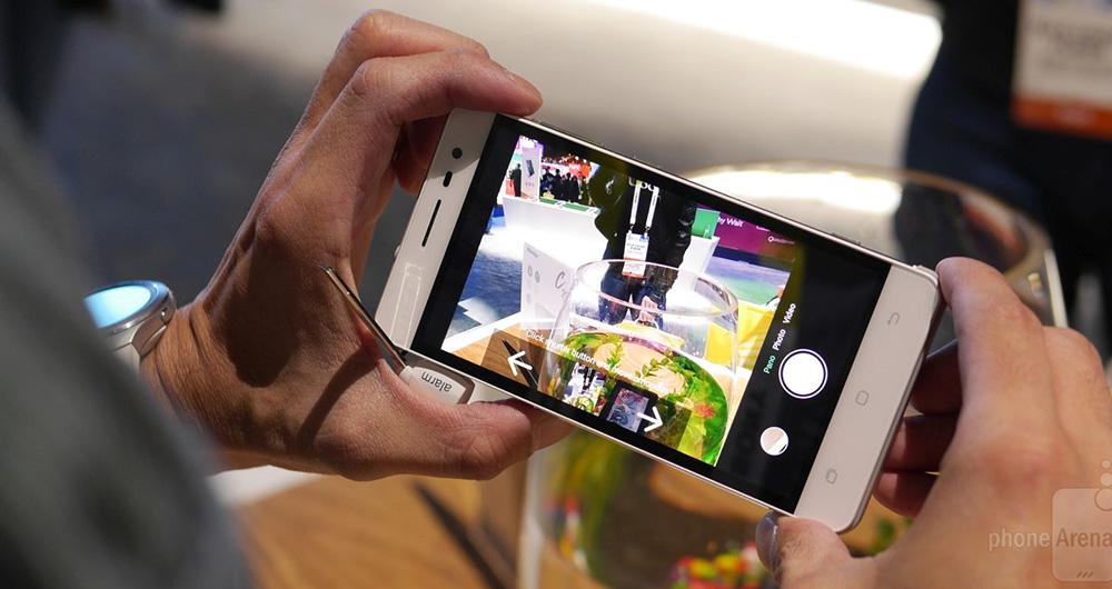 نگاهی کوتاه و نزدیکتر به گوشی C20 کمپانی هایسنس