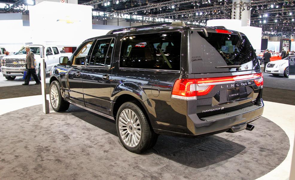 2015-lincoln-navigator-l-photo-571732-s-986x603