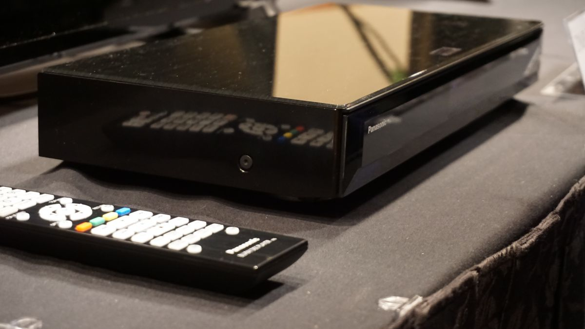 Panasonic DMP-UB900 Ultra-HD Blu-ray player_1-1200-80