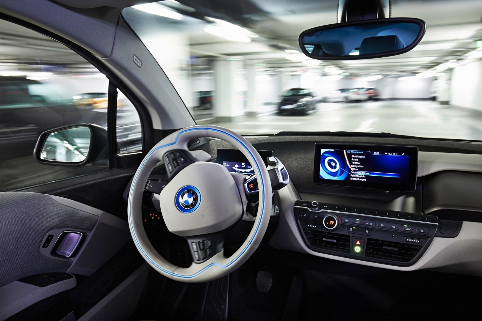 bmw-will-bring-a-fully-automated-parking-i3-at-2015-ces-previewing-2016-7-series-functionality_7