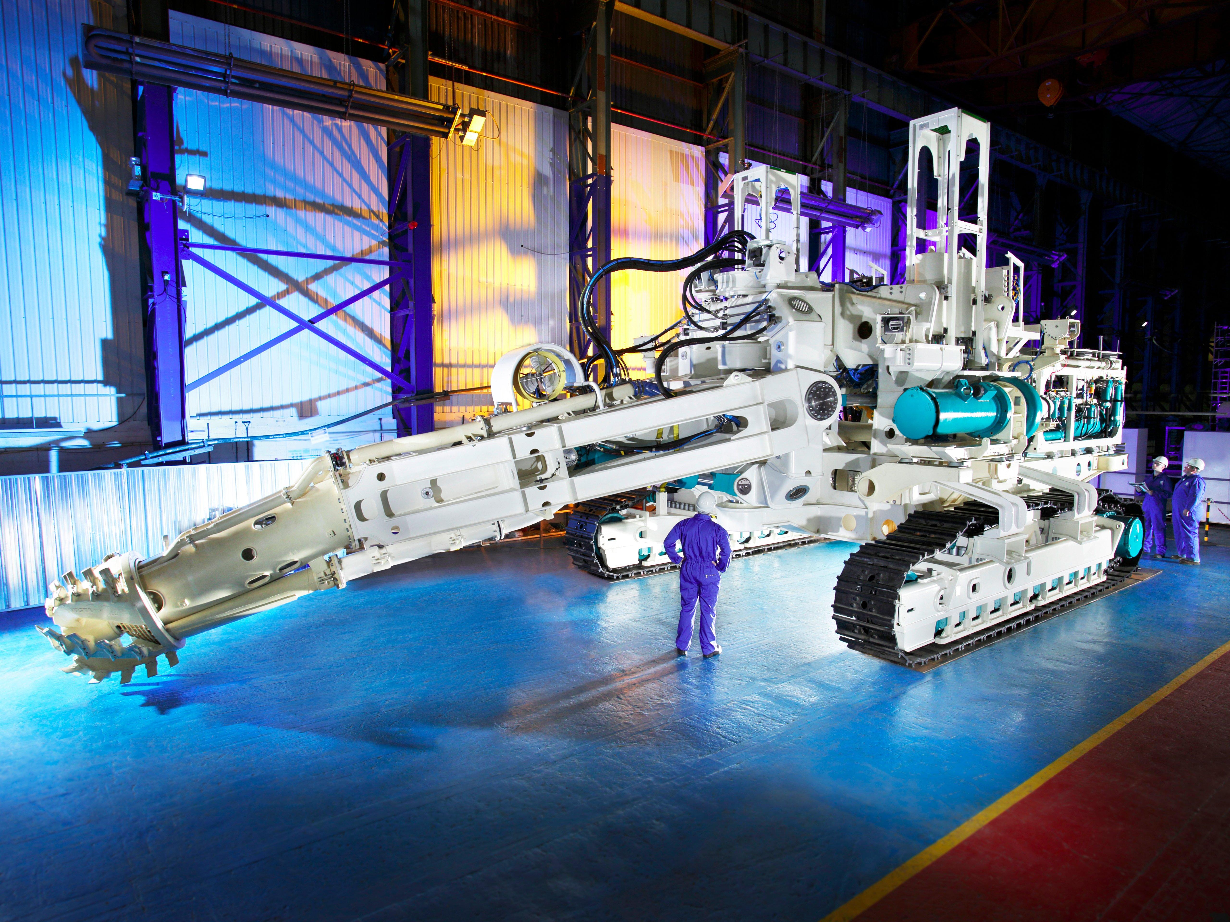 ربات های غول پیکر کف اقیانوس را برای یافتن طلا، نقره و مس حفاری می کنند