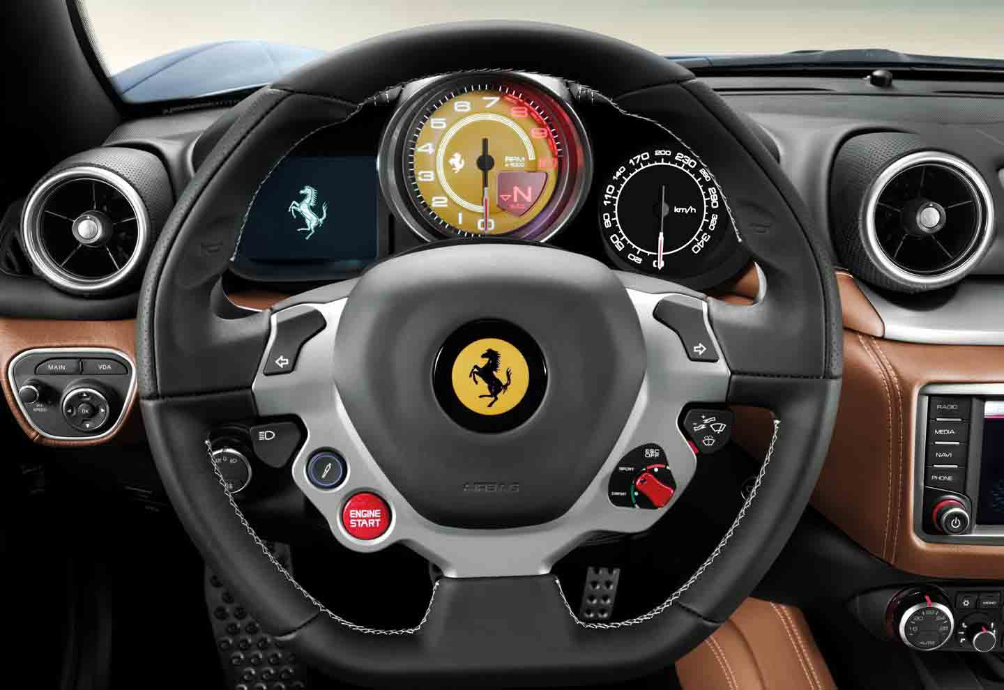 ferrari-california-t-hs-220116-dm-03