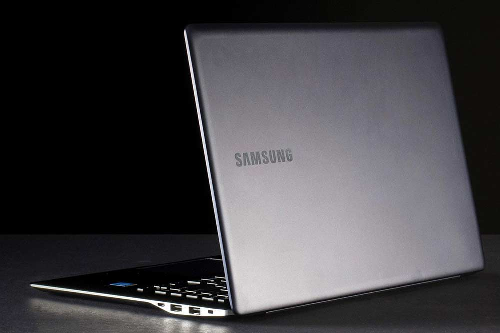 samsung-ativ-book-9-back-angle-open-1500x1000