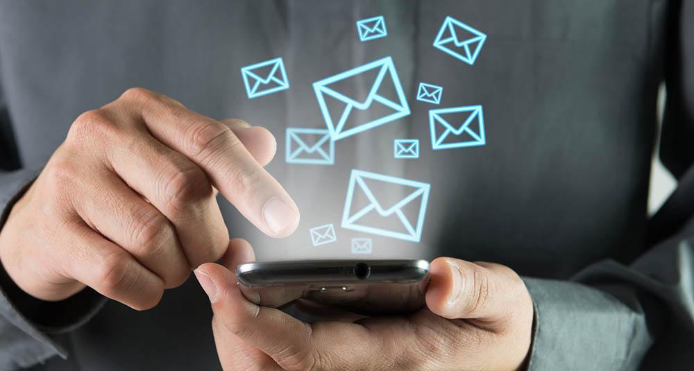 رابطه استرس و بازبینی مرتب ایمیل ها