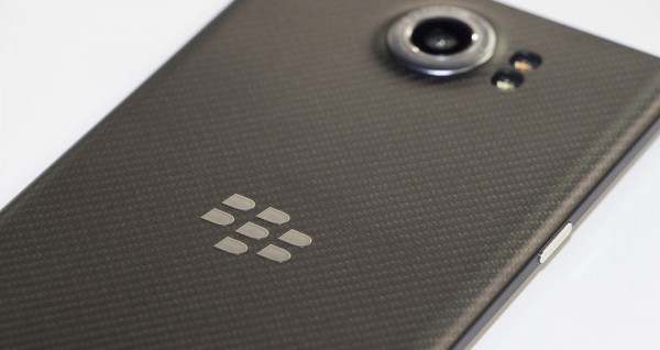 blackberry-priv-back