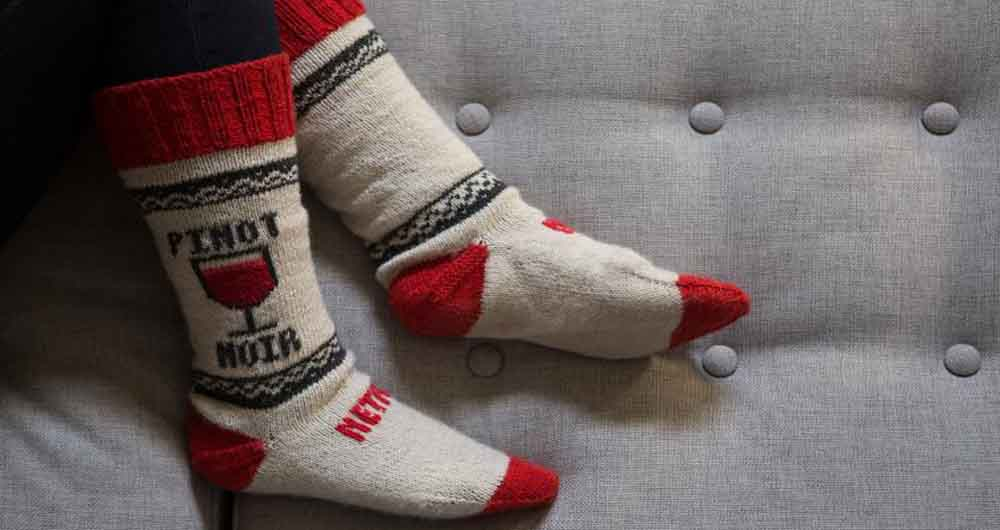 netflix-socks-diy-binge-watching