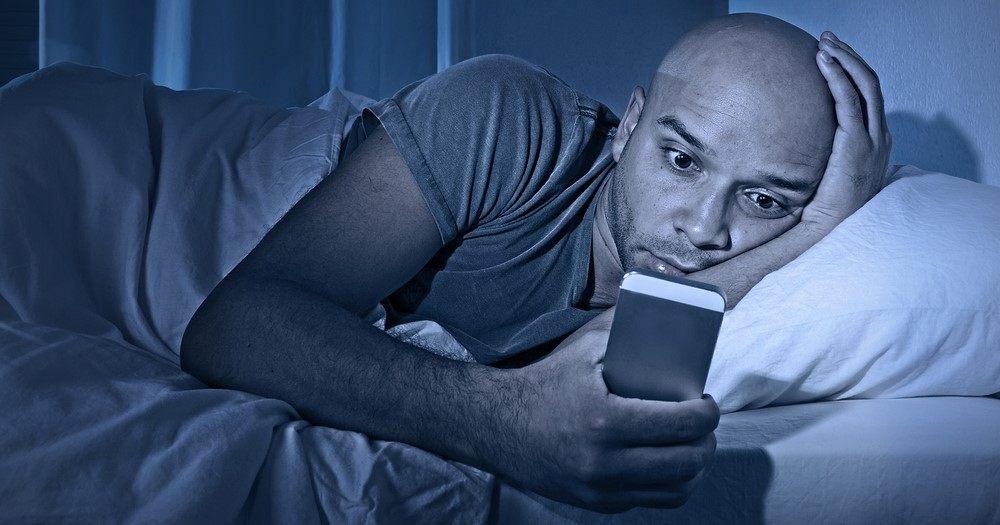 شبکههای اجتماعی چه نقشی در اختلال خواب دارند؟