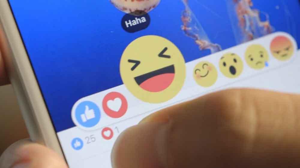 20151008162449-facebook-emojis-haha-happy-face