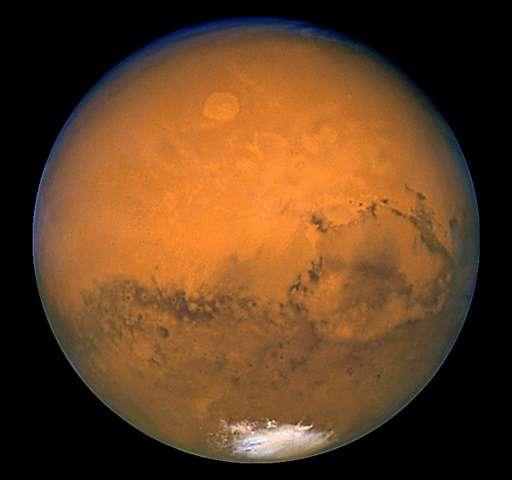 سطح مریخ امروز بیش از حد خشک و گرم است تا موجودات بتوانند زنده بمانند و زندگی کنند، اما شرایط حدود 3.5 میلیارد سال پیش بسیار راحت تر، گرم تر و مرطوب تر بوده است