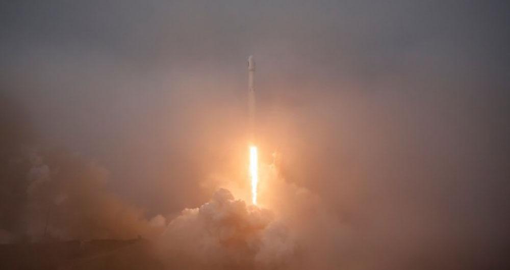 اسپیس ایکس با موفقیت موشک خود را پرتاب کرد