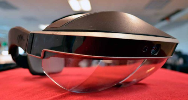 meta-2-development-kit-hands-on-augmented-reality-headset-AR-1