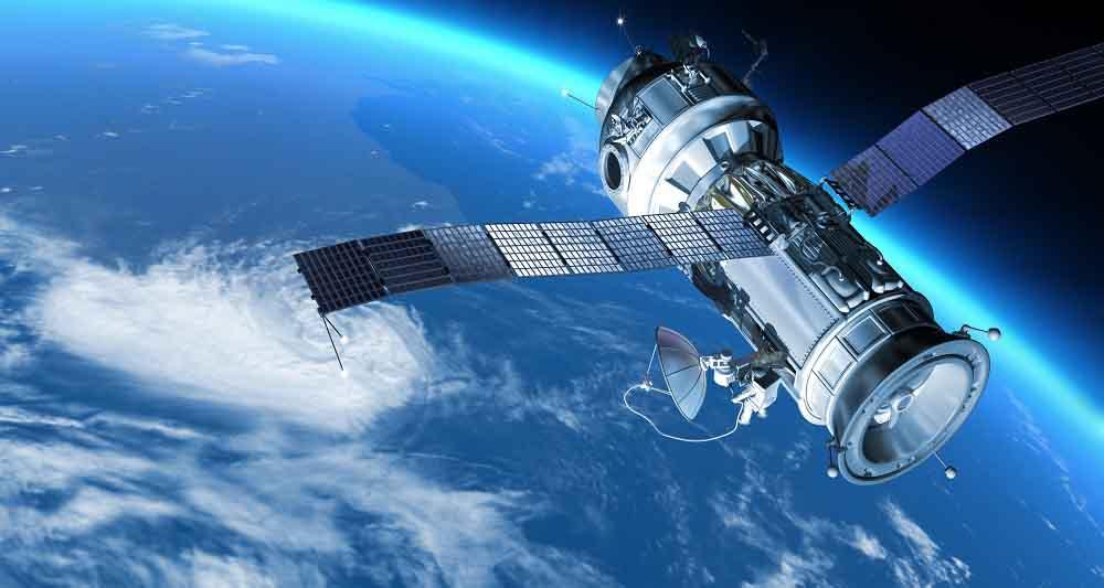 وزارت ارتباطات از خرید و بهره برداری دو ماهواره مخابراتی خبر داد