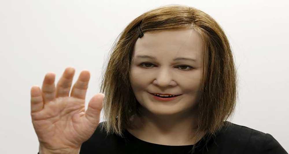 روبات انسان نمای Nadine  هم دم دوران پیری افراد