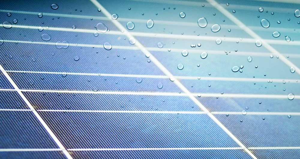 تولید انرژی از قطرات باران توسط صفحات خورشیدی