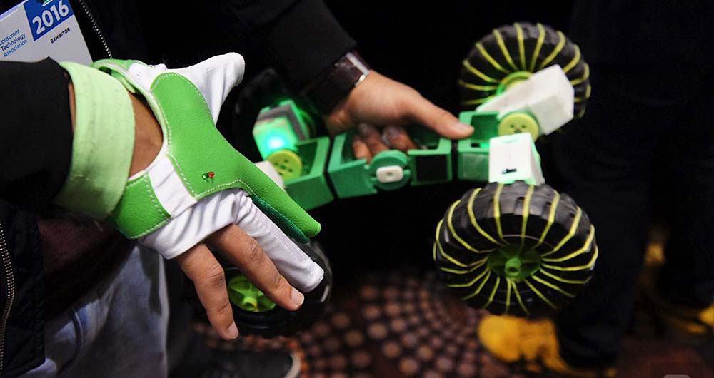 با کیت رباتیک Ziro ربات دلخواه خود را ساخته و کنترل نمایید!