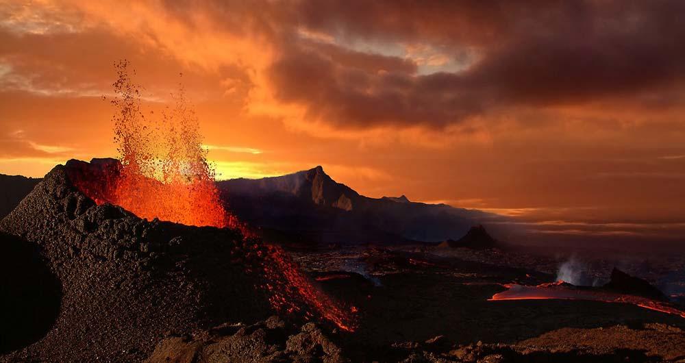 ۱۲۸۰-volcano-explosion