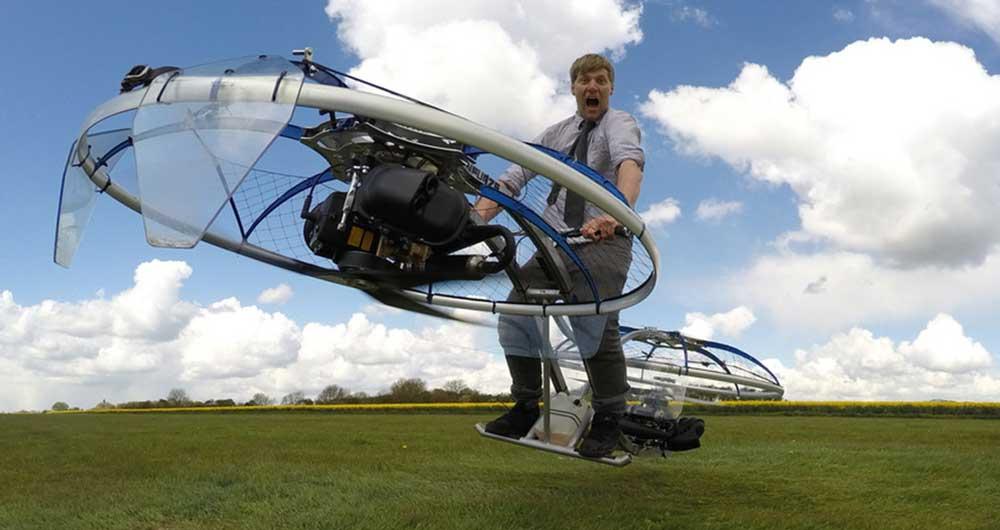 کالین فرز این بار با اختراع موتور هوایی خبرساز شد