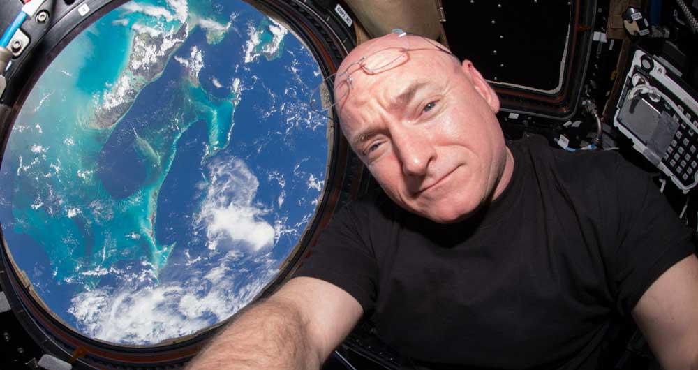 پخش گفتگوی زنده مالک فیسبوک با ساکنین ایستگاه فضایی