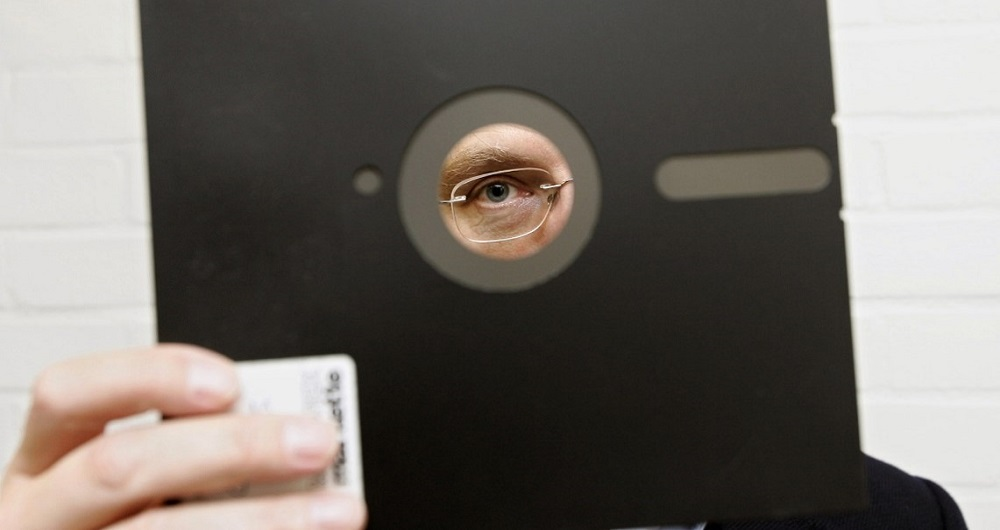اطلاعات حساس دولت آمریکا بر روی فلاپی دیسک!