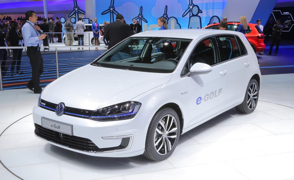 ۲۰۱۵-volkswagen-e-golf-photo-538299-s-986x603