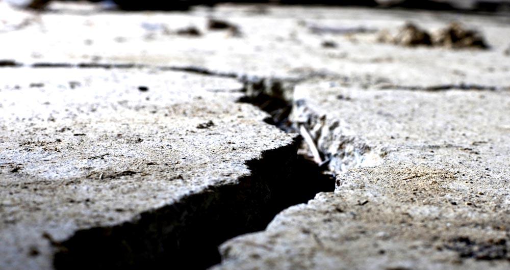 earthquake-crack