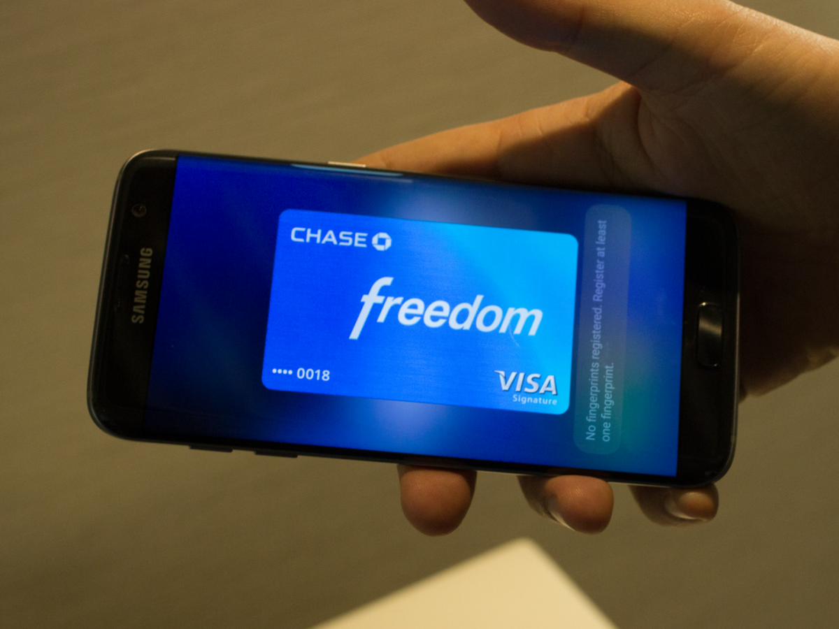 samsung-pay-works-on-regular-credit-card-readers
