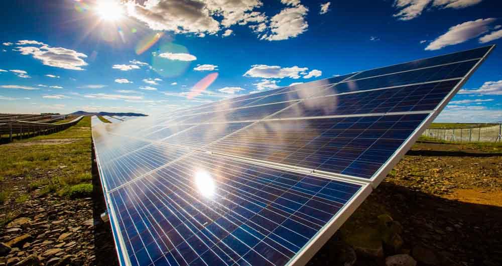 انرژی خورشیدی ایران، توان تامین نیاز یک سال جهان را دارد