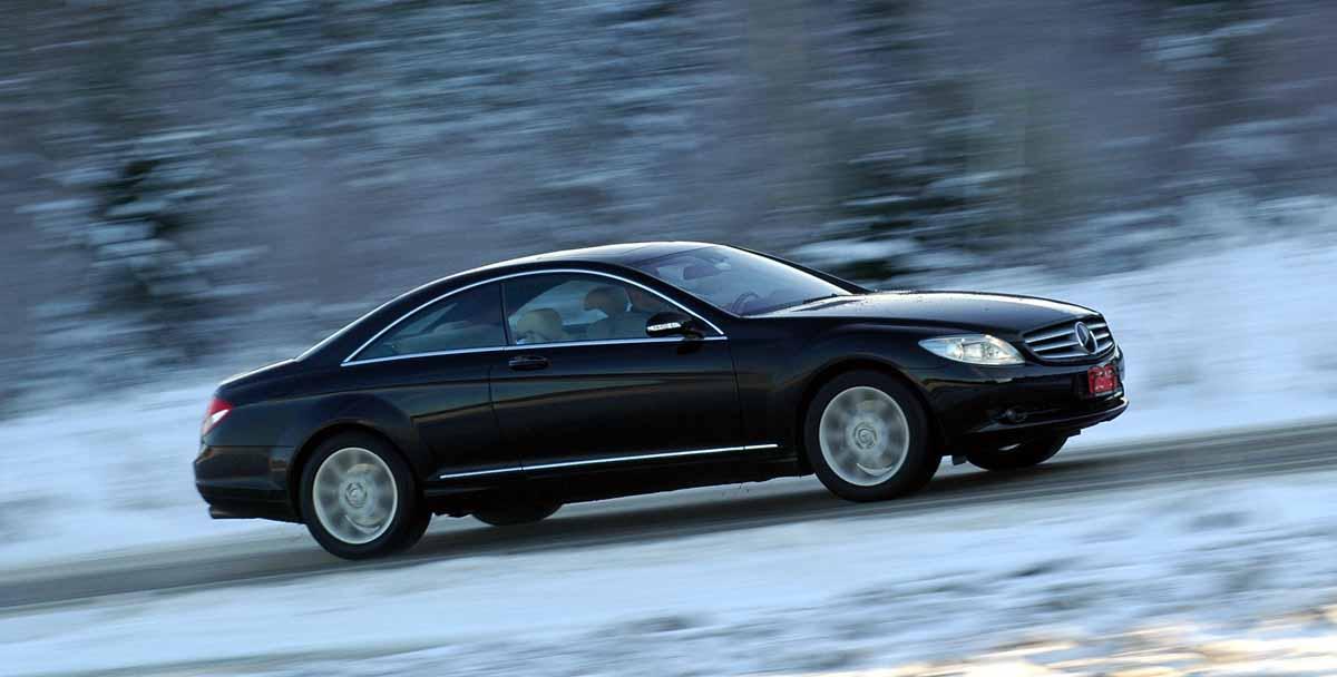 ۲۰۰۴-Mercedes-Benz-CL-Class-CL500-Coupe-3