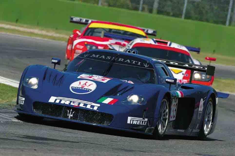 ۲۰۰۴-maserati-mc-12