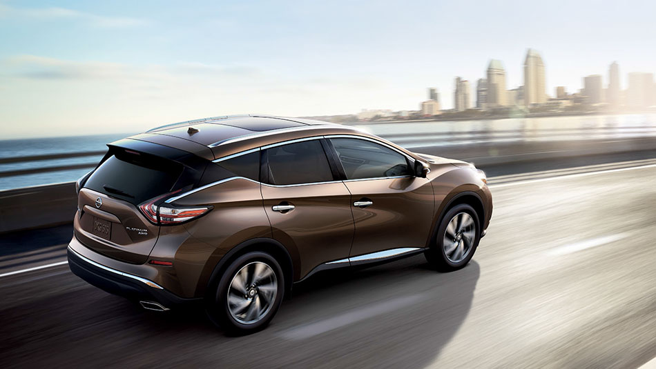 ۲۰۱۵-nissan-murano-crossover-highway-driving-tinted-bronze-05