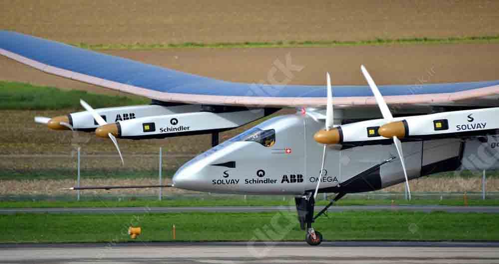 Solar_Impulse_SI2_pilote_Bertrand_Piccard_Payerne_November_2014