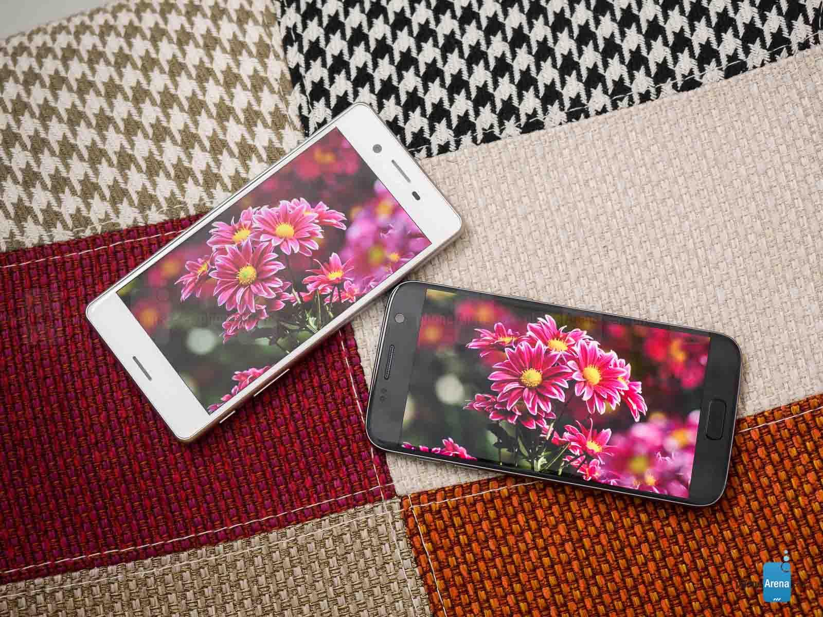 Sony-Xperia-X-Performance-vs-Samsung-Galaxy-S7-014