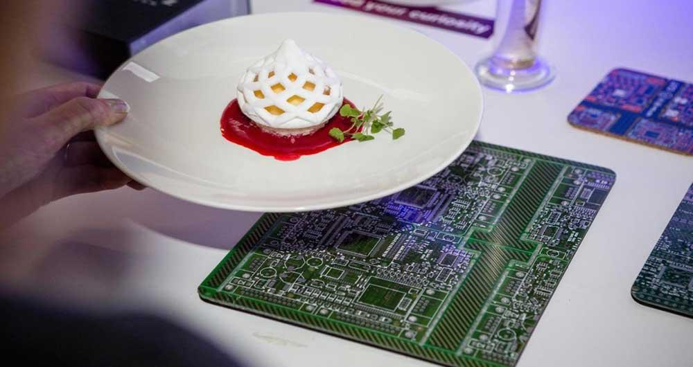 تماشا کنید؛ سرآشپز این رستوران یک پرینتر سه بعدی است!