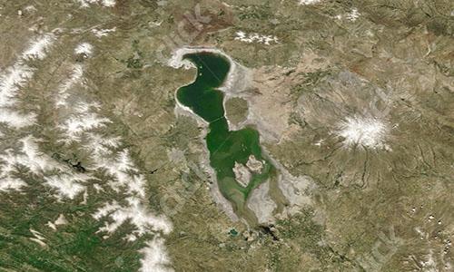 GREEN-LAKE-533512