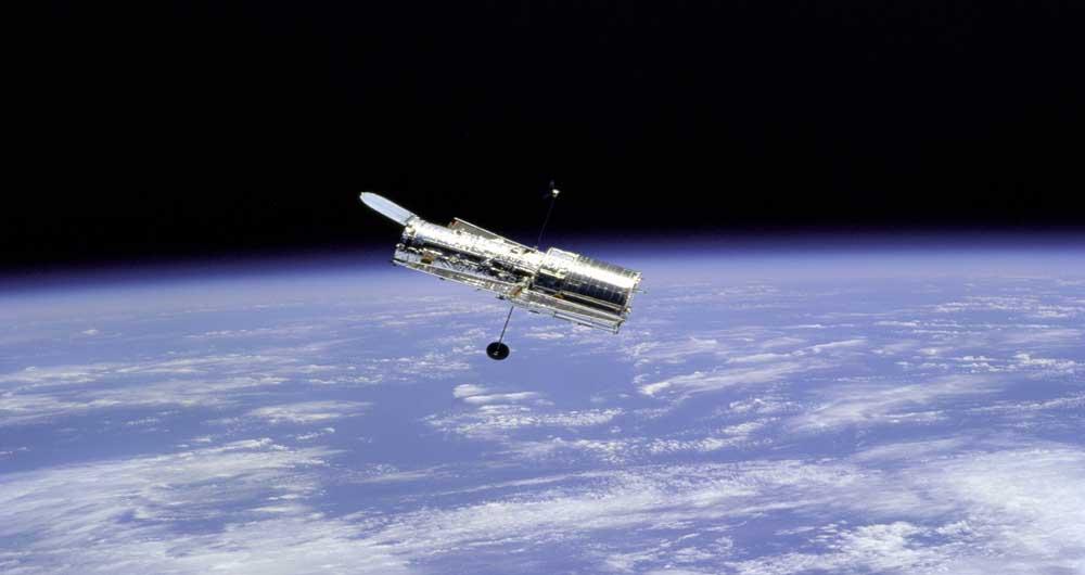 ماموریت ۳۰ ماهه تلسکوپ فضایی اسپیتزر آغاز شد