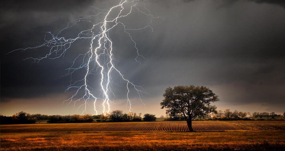 lightning-3-1200x0