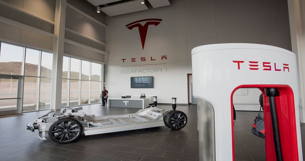 وابستگی تمام شرکت های خودروسازی دنیا به تسلا در آینده نزدیک