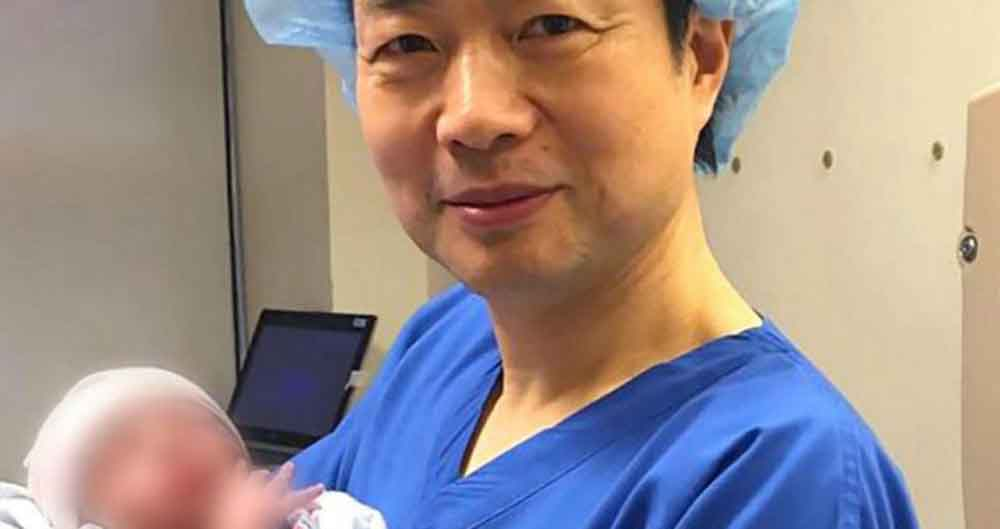 اولین نوزاد جهان با سه والد به دنیا آمد